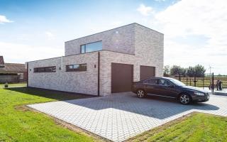 Moderne woning met dubbele garage