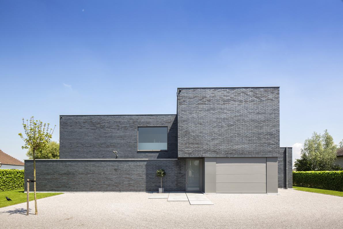 Moderne woning met gelijmde gevelsteen