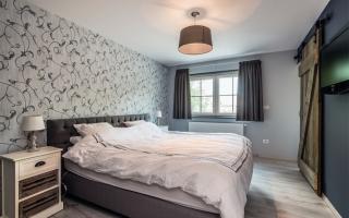 Ruime klassieke slaapkamer